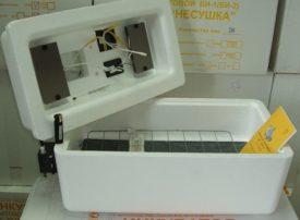 Инкубатор Несушка Би-2 на 77 и 104 яиц
