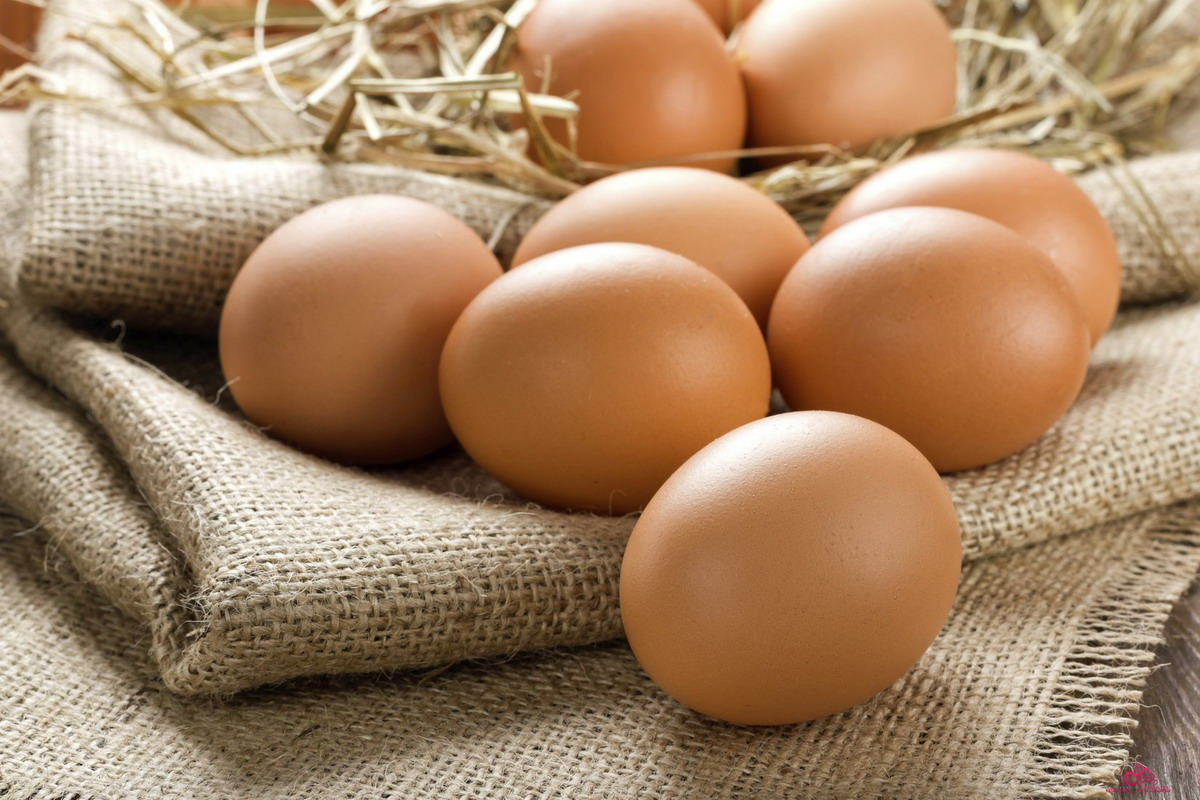 Полезные сырые яйца