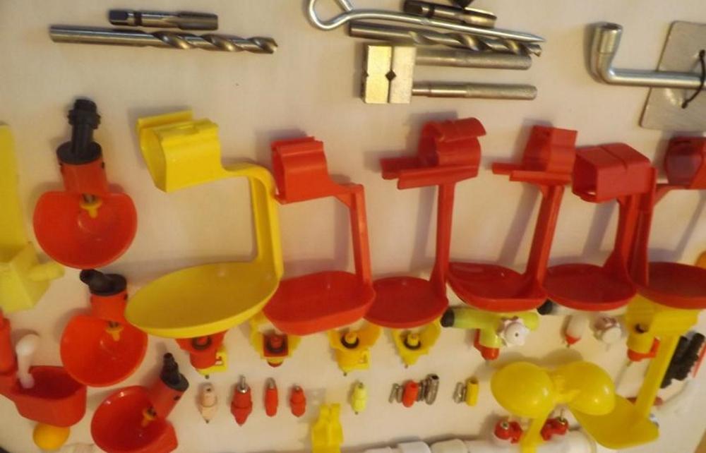 Ниппельные поилки для кур своими руками фото фото 939